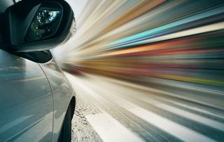 کاهش شتاب خودرو